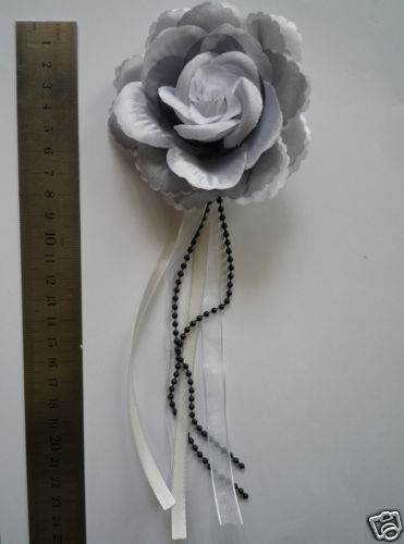 grey flower brooch/corsage